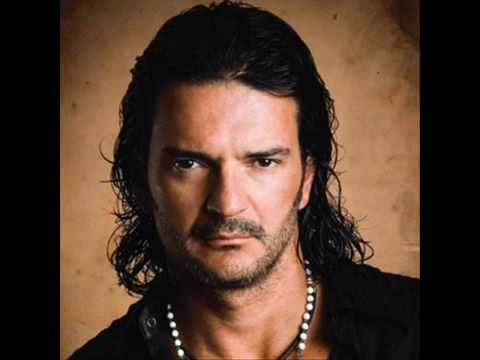 COMO DUELE. RICARDO ARJONA Video