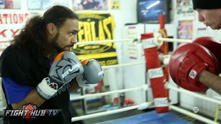 Keith Thurman looking fast & explosive on heavy bag & mits ahead of Shawn Porter fight