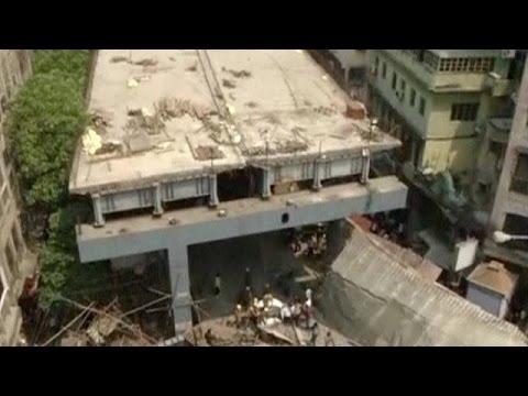 Hindistan'da köprü çökü: En az 14 ölü