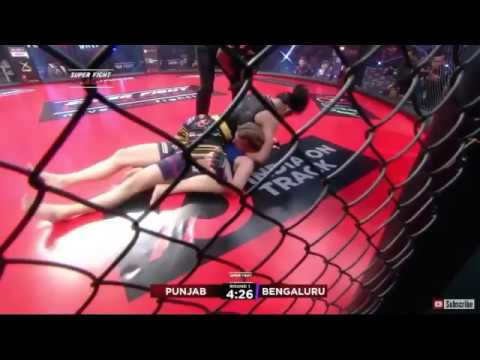 SFL: l'arbitro sta dormendo Asha Roka 1R guillotine  vs. Hanna Kamf