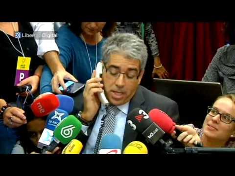 Homs no consigue convencer a un ciudadano para que vote el 9N