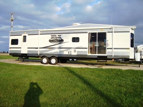 2013 wildwood dlx 4002q 2 bedroom 2 bathroom 43 travel for 2 bathroom travel trailer