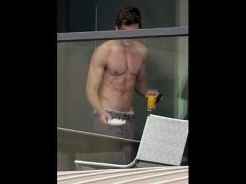 Zac Efron: Shirtless at Sydney Hotel (¡¡Naked!!)