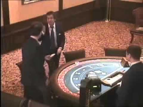 мужик в казино кто такой