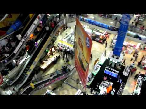Shopping at Pratunam Market Bangkok – Sep 2010