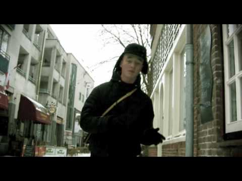 De Psycho ft AM. - Ze Willen Me Vast