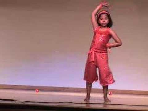 Dhoom Machale By Malavika video