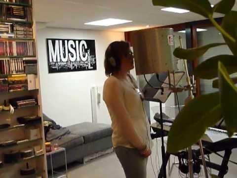 Manon voice 001