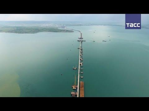 В Керченском проливе закончили возведение опор для судоходных арок Крымского моста