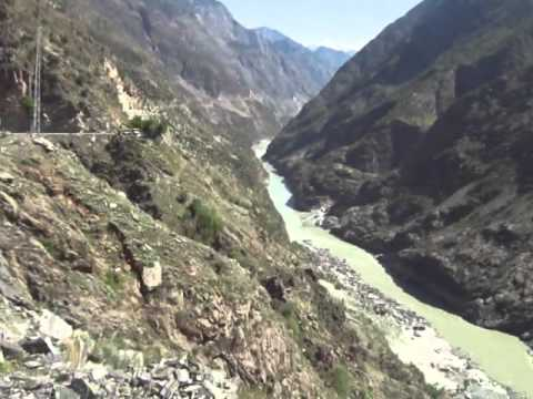 Take Guided Tour of KKH 8th wonder of the world with Tourist Guide of Pakistan.