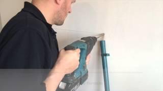 Wie man einen Wandregal montieren: Verdeckte Wandhalterungen