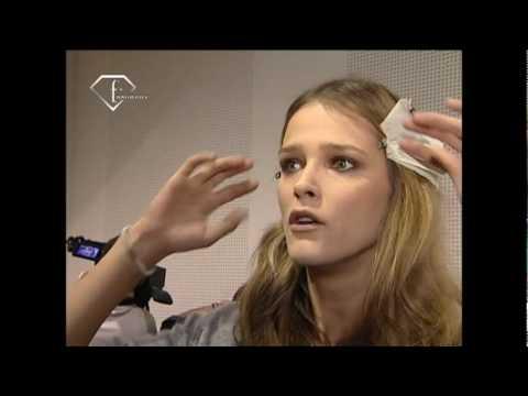 fashiontv | FTV.com - Models Talk F/W 07-08 Carmen Kass