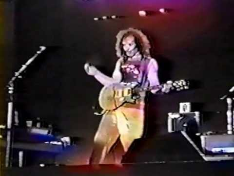 Carlos Santana - Victim Of Circumstance