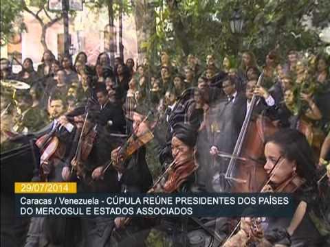 Presidentes posam para foto oficial da 46ª Cúpula do Mercosul