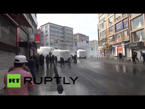 RAW: Pro-Kurd rally turns violent in Istanbul as ISIS on verge of capturing Kobani
