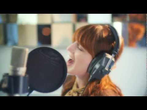 Florence & The Machine - Shake It Out (acústico)