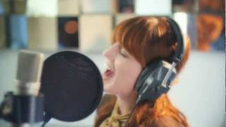 Клип Florence & The Machine - Shake It Out (acoustic version)