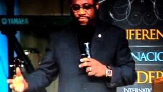 Dr. Myles Munroe/ Pastor Mauricio Juarez