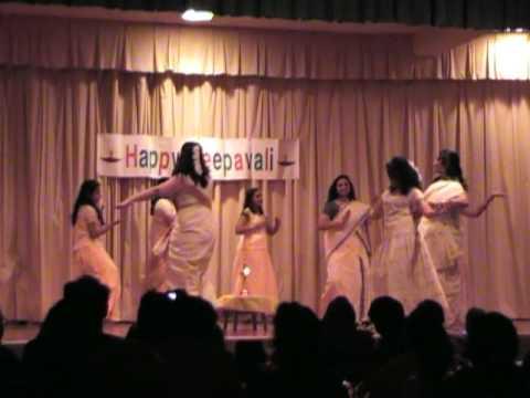 Kaikottikali : Parvanenthu Mukhi video