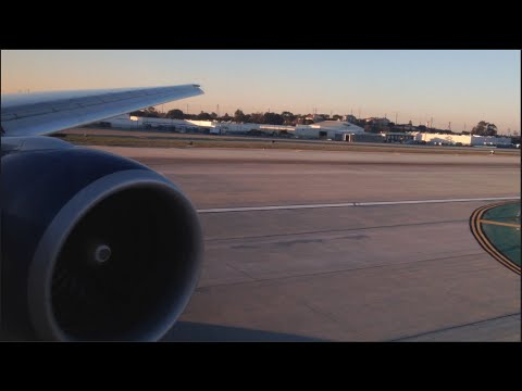 Delta Airlines Boeing 777-200LR Sunrise Landing + Taxi to Gate at Los Angeles International Airport