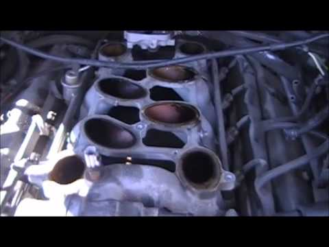 5.4 Lincoln Navigator cylinder head removal