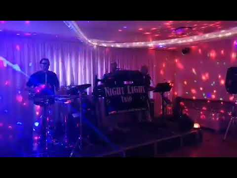 Night Light trió - feat. CereMóni: Most Mulik Pontosan