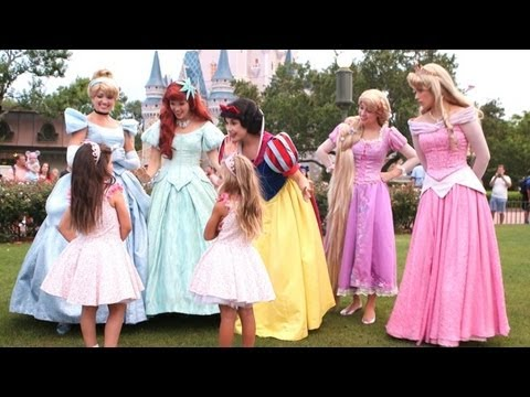 Exclusive! Sophia Grace &amp; Rosie Meet the Disney Princesses