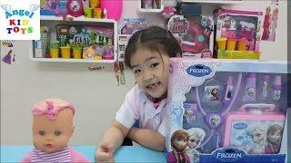 Đồ chơi bác sĩ  Disney Frozen Doctor Featuring Elsa Anna