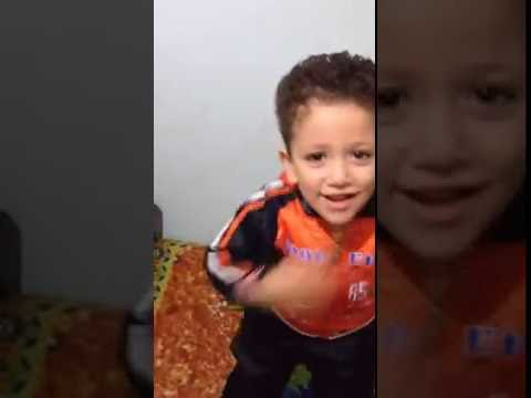 طفل يرقص احلا رقص شعبي thumbnail