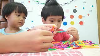 Khánh Chi mở đồ chơi ghép hình nhiều màu sắc💟Khánh Chi Phương Uyên💟
