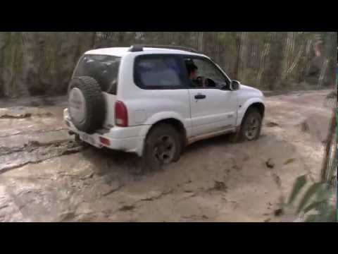 Off Road Suzuki Grand Vitara