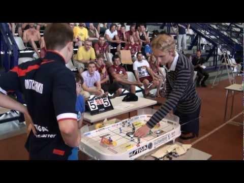 Настольный хоккей-Tablehockey-WCh-2011-DMITRICHENKO-GALUZO-Game6-comment-SPIVAKOVSKY