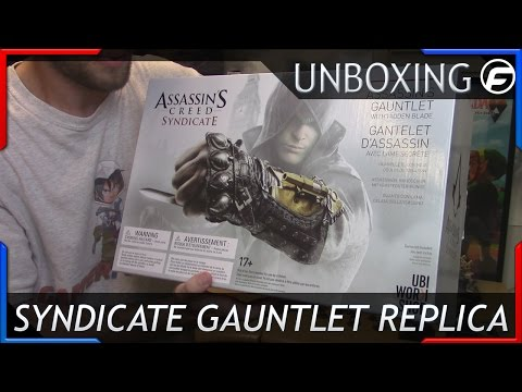 Assassin's Creed Syndicate Gauntlet and Hidden Blade Unboxing