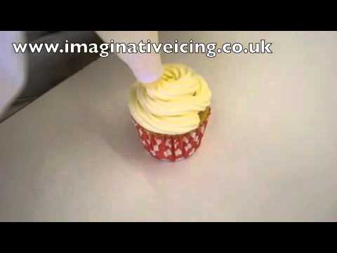 How to pipe cupcakes with buttercream