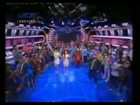 Brondong Tua - Siti Badriah - Dahsyat - Lyric On Screen - 23 Mei 2013