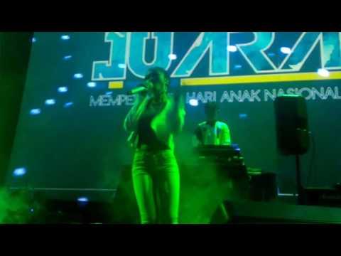 Soundwave - Work (Rihanna ft. Drake) - Live At Sabuga