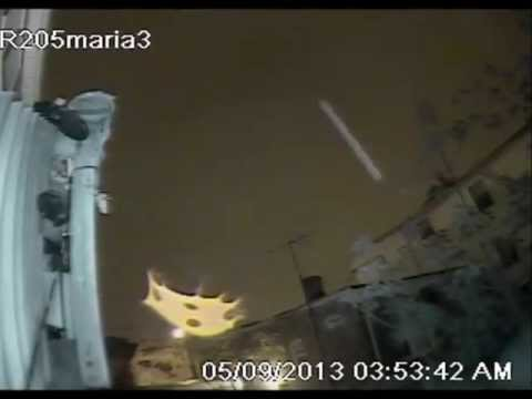 UFO-ALIEN CREATURES cloaking in front of cameras!