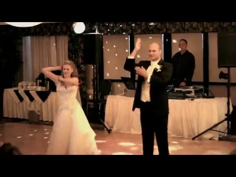 Best Surprise First Dance Ever Janet and Matt 39s First Dance Funny