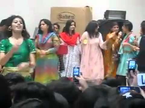 Beautiful Dance Samanabad Collage Lahore Girls.flv - Youtube.flv video