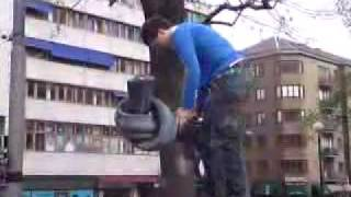 Download Rab Riding the Gun Statue 3Gp Mp4