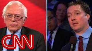 Sanders gets in argument with business owner