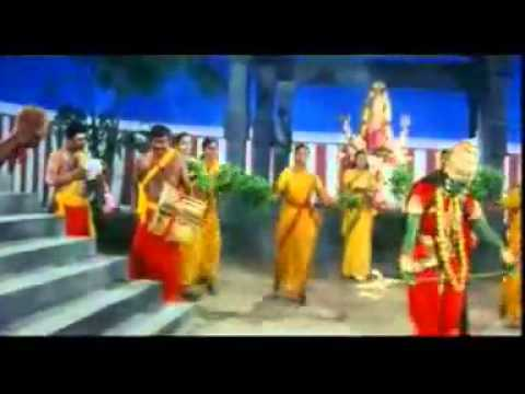 Padai Veedu Amman Udukkai Piranthathu Hq video