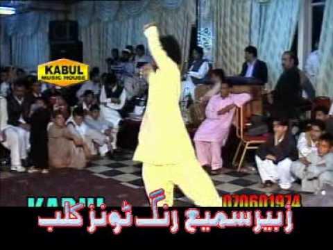 Ghar Aaya Mera Pardesi-dance video
