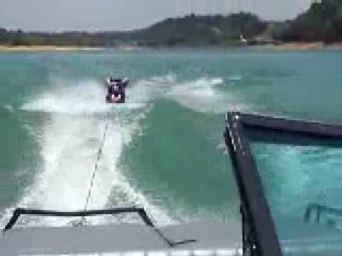 matt kneeboarding wipe out 2 Video