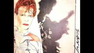 Watch David Bowie Scream Like A Baby video
