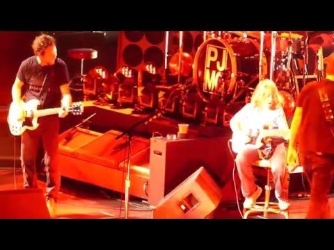 Un joven guitarrista de Maine improvisa con Pearl Jam