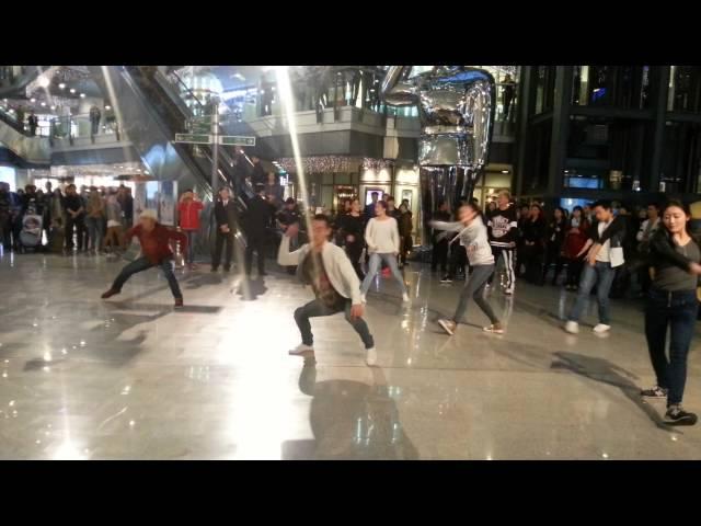 "Dutch National Ballet flashmob ""Giselle"" in Beijing"