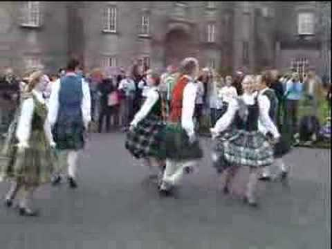 Corryvrechan Scottish Dance Team performing at Kilkenny Castle after Parade of the Nations at Celtic Festival 2007. Don't miss the extracts from their latest...