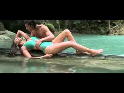Rat Me Khab Me Wo Mujhe Rula Rahi Hai video
