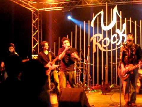 uzair jaswal singing with or without you at NUST